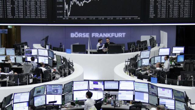 Europa em alta no início de semana da reunião da Fed e de eleições alemãs