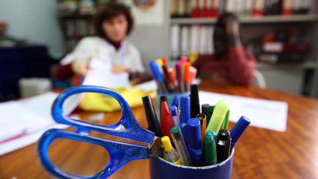 Governo aprova despesa para licenças de manuais digitais a alunos