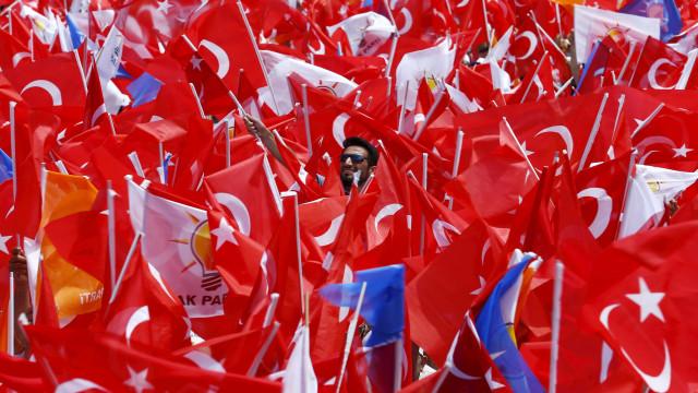 """Erdogan saúda controlo """"total"""" da cidade de Afrine por forças turcas"""