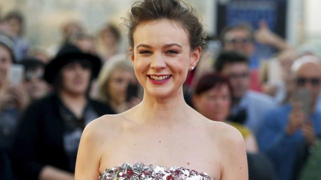 Carey Mulligan crítica papéis femininos em filmes
