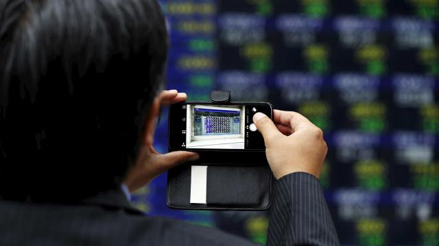 Bolsa de Tóquio fecha a perder 0,68%