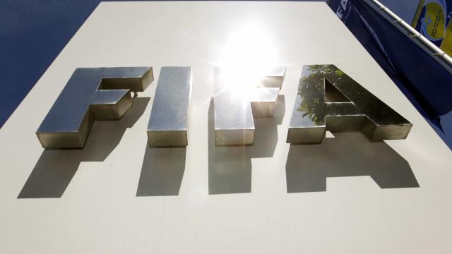 FIFA irradia ex-selecionador do Togo e oficial da Federação do Zimbabué