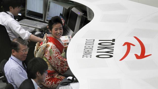 China e Japão ganham terreno a meio da semana