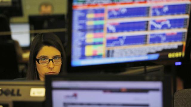 Bolsas europeias negoceiam em ligeira baixa