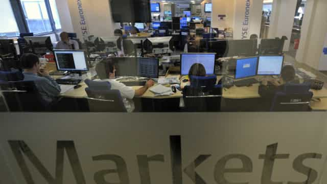 Bolsas europeias em queda depois de fortes descidas nos mercados