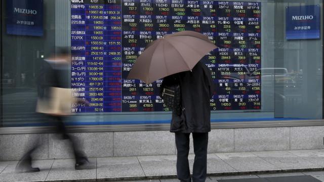 Wall Street vive outro dia miserável com queda dos principais índices