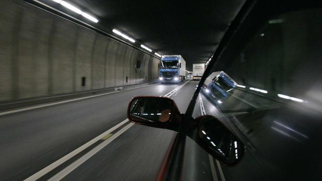 Colisão entre automóvel e camião na EN2 mata jovem de 19 anos