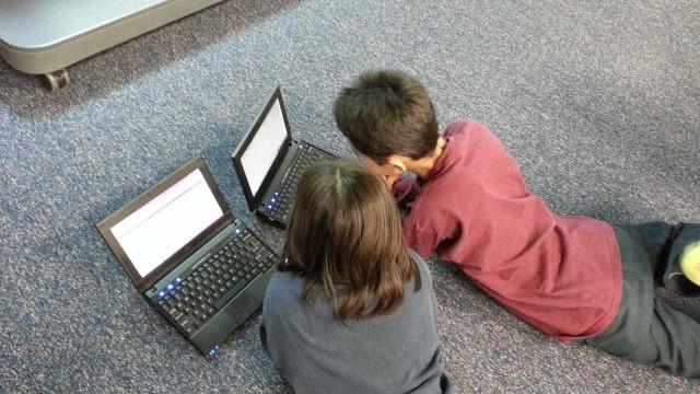 Um em cada três internautas é criança mas pouco se faz para as proteger