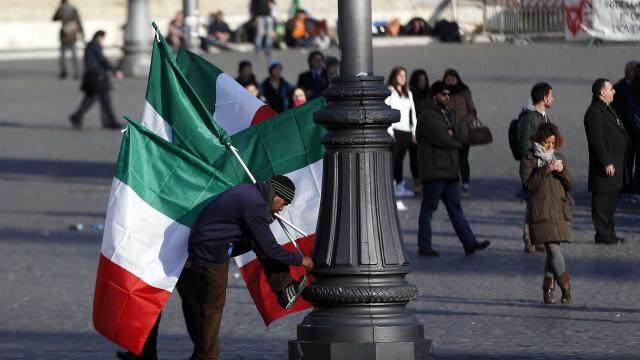 Bruxelas chumba orçamento italiano. País tem três semanas para responder