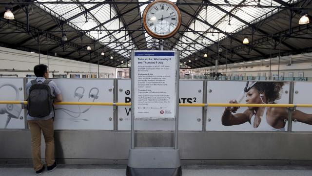 Polícia britânica acusou um dos suspeitos no atentado no metro