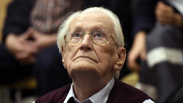 Aos 96 anos, 'contabilista de Auschwitz' é preso por quatro anos