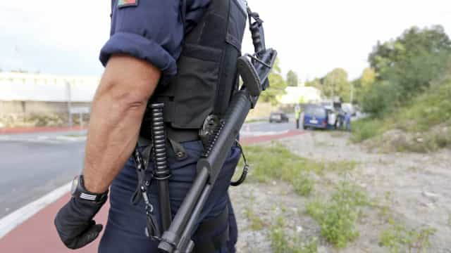 Dois assaltantes intercetados a tiro pela PSP em Cascais