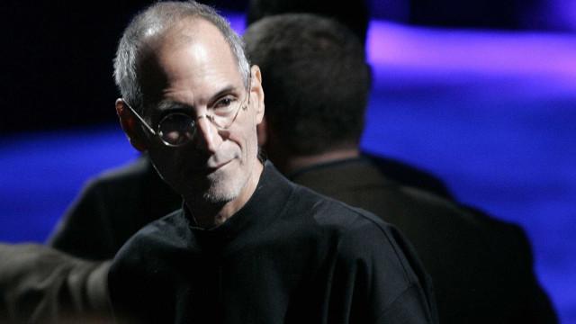 """Apple está a perder a """"personalidade"""", diz confidente de Steve Jobs"""