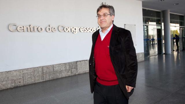 Proposta de 150 euros para titulares de cargos públicos registarem oferta