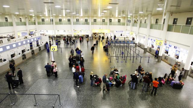 Caos. Aeroporto de Gatwick encerrado após avistamento de drones