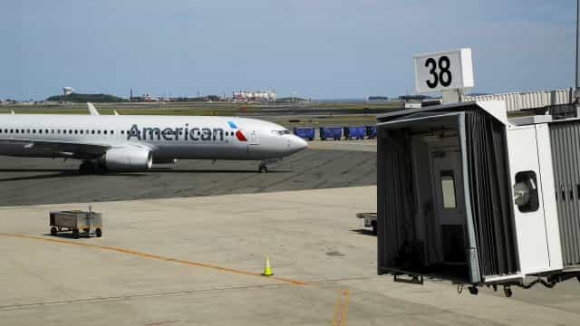 Estudante de pilotagem preso após ter entrado em avião sem autorização