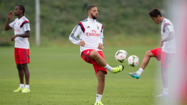 Sem espaço no Benfica, Taarabt deixa mensagem nas redes sociais