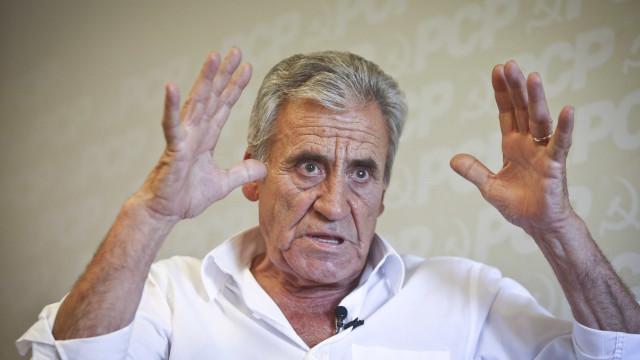 """PCP afirma estar em curso no país um """"Bloco Central informal"""" PSD/PS"""