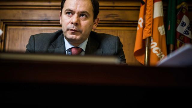 Montenegro está a ponderar se avança com candidatura à liderança do PSD
