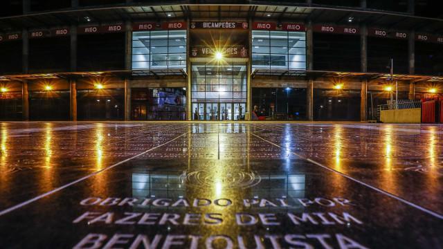 Benfica anuncia queixa-crime contra blogues