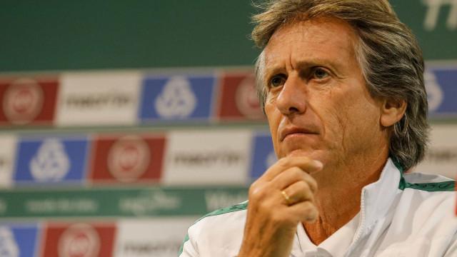 Em direto: Jorge Jesus antecipa encontro com o FC Porto