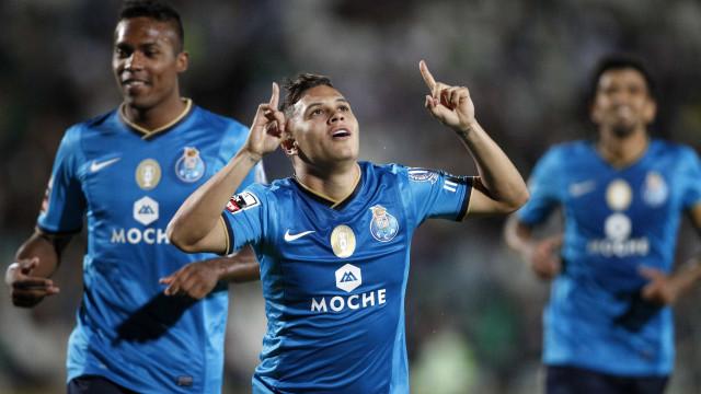 Futuro de Quintero não passa pelo FC Porto. River Plate é o destino