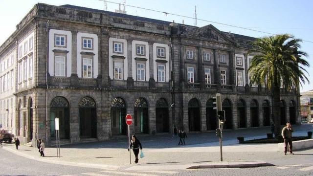"""Cientistas acusam Universidade do Porto de """"contaminar"""" a opinião pública"""