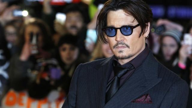Johnny Depp pede desculpa por comentário que sugeriu assassínio de Trump