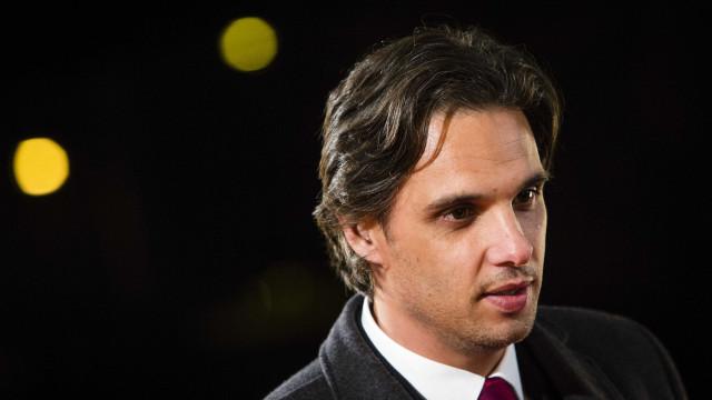 Benfica confirma saída de Nuno Gomes