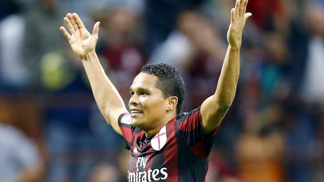 Sporting e AC Milan já têm acordo por Bacca. Só falta o sim do avançado