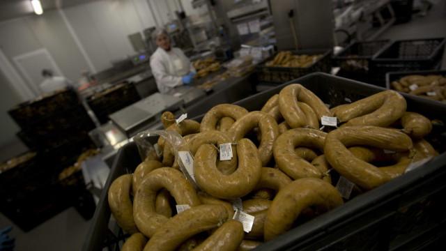 A salsicha que salvou os judeus. BBC descobriu as alheiras de Portugal