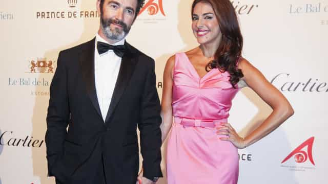 Catarina põe fim a rumores de divórcio com foto em quarto de hotel