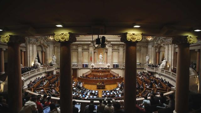 Igualdade de género: Parlamento aprova lei da paridade