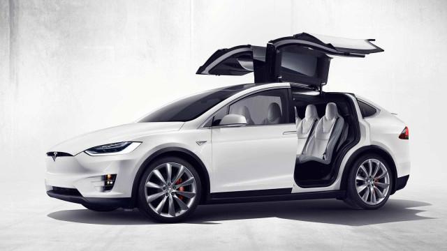 """Tesla chega à polícia suíça. """"Os maus não vão escapar"""""""