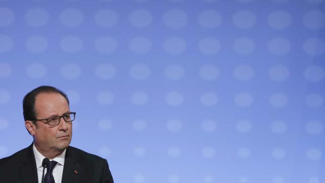 """Hollande considera atentado no aeroporto de Istambul """"ato abominável"""""""
