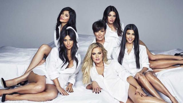 Nova campanha da Calvin Klein reúne irmãs Kardashian-Jenner