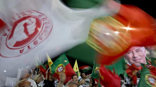 """PS vê país e portugueses """"bem melhor"""" do que em 2015"""