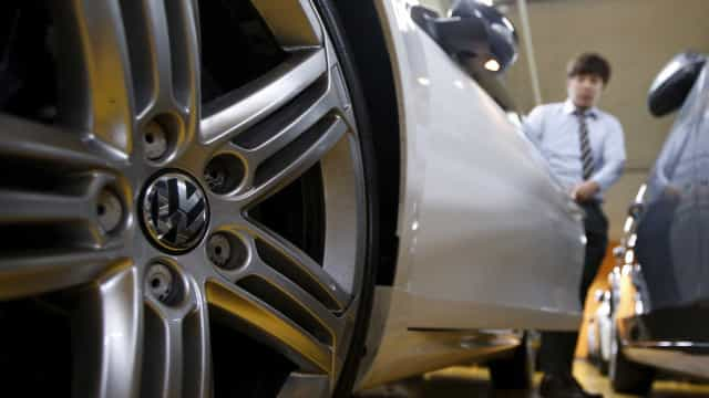 Volkswagen suspende executivo após testes em macacos