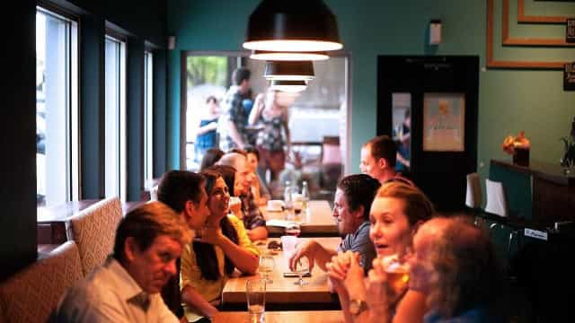 Google inspira-se no Tinder para lhe sugerir restaurantes