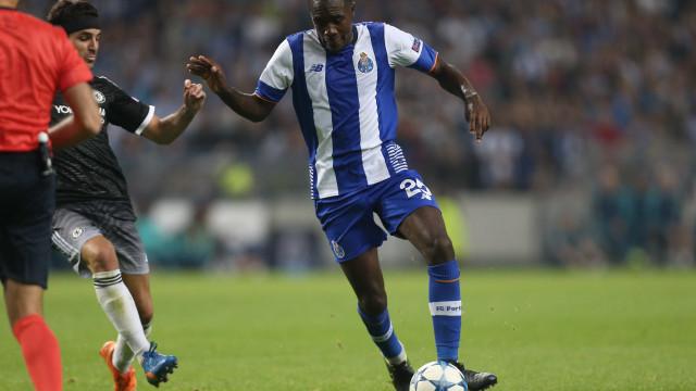 Monaco 'complica' William Carvalho e Betis já pensa num ex-FC Porto