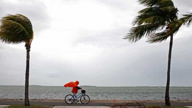 Tempestade Maria ganha força a caminho das Caraíbas e da Flórida