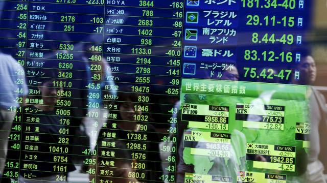 Bolsa de Tóquio fecha em alta