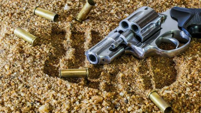 PJ detém sexagenário por posse de armas proibidas