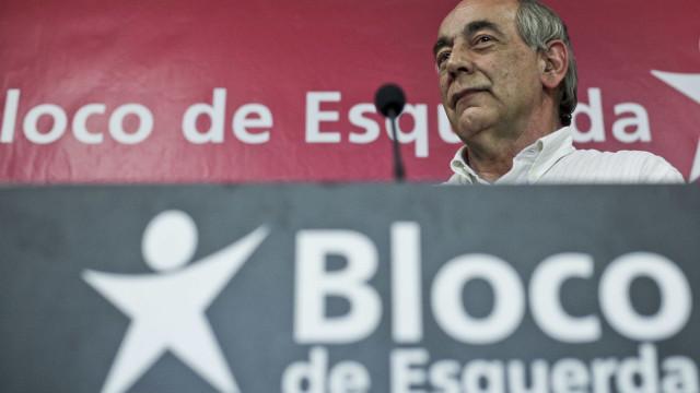 """Equipa de Rui Moreira """"vive pendurada no aparelho e órgãos da autarquia"""""""