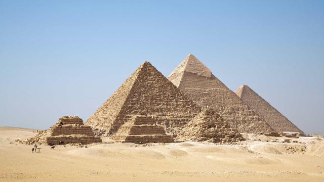 Arqueólogos descobrem câmara vazia na Grande Pirâmide de Queops