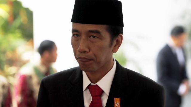 Presidente da Indonésia visita ilha afectada por terramoto e tsunami