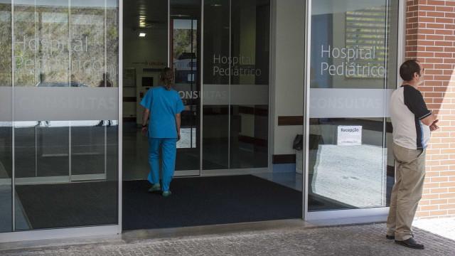 Quatro crianças no hospital por suspeita de intoxicação alimentar
