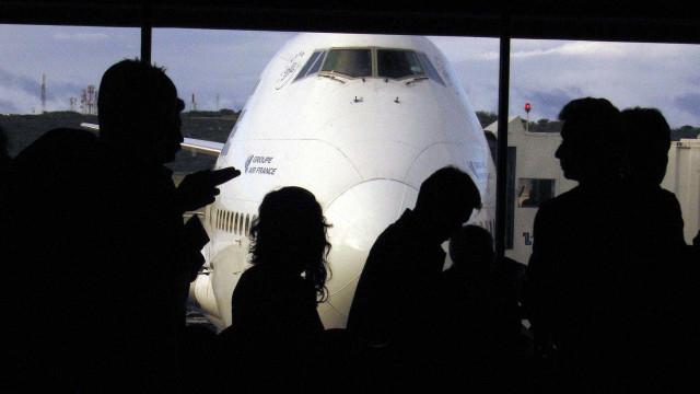 NOS confirma pagamento de viagens à China de 5 colaboradores