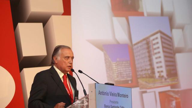 """Presidente do Santander Totta """"preocupado"""" com situação do Novo Banco"""