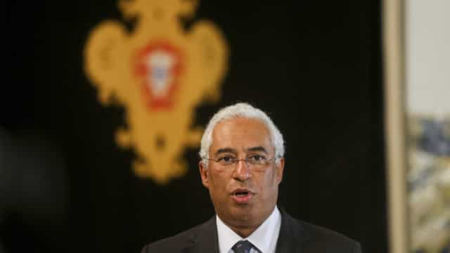 Costa nega interferência de Siza Vieira na mudança do PS nas renováveis